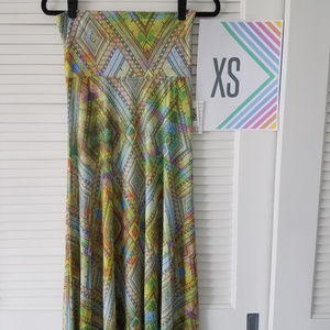 New LuLaRoe Maxi Skirt-Green/Multi-Colored